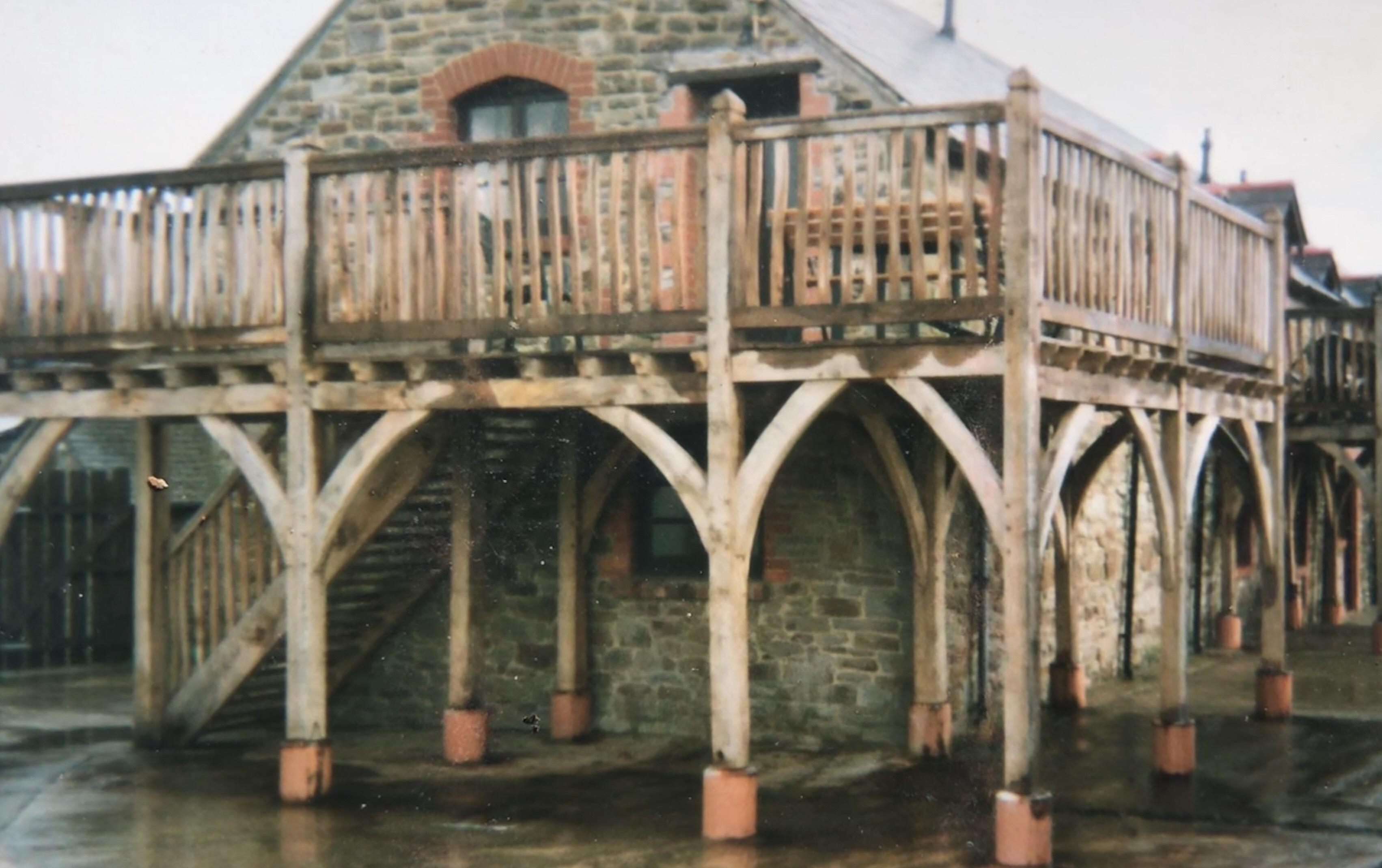 Oak framed balconies at Clyne Farm