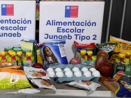 Entrega de tercera Caja de alimentos Junaeb