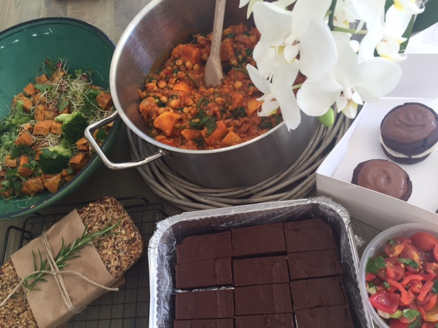 Vegan supper ready for collection. Includes turmeric lentil, chickpea and sweet potato curry, superfoods salad, seedy loaf, raw chocolate brownies and mini chocolate cashew nut cream and blueberry jam cakes 😀😀 #veganfood #veganbaking #veganfoodlovers #vegan #vegancatering