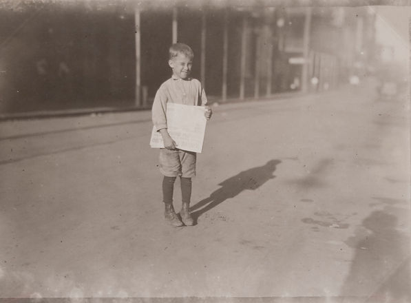 Young_Newsboy,_Mobile,_Alabama_-_Oct._19