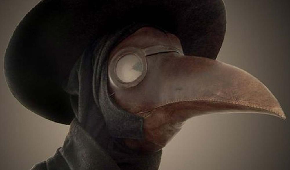 Máscara que médicos usavam durante a peste