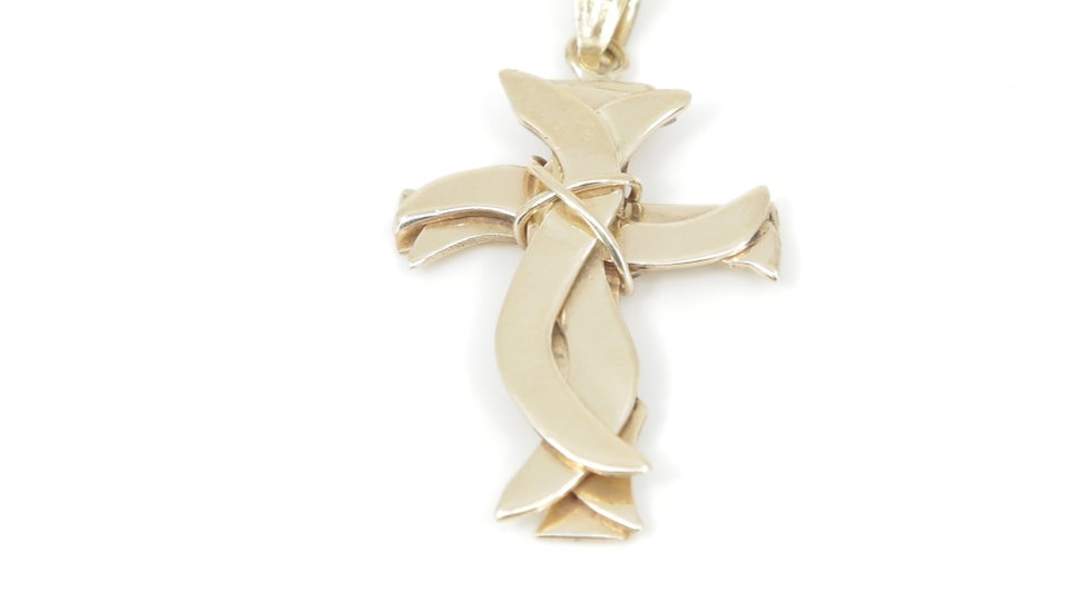 18k Yellow Gold Three Dimensional Cross. (Chain sold separately)