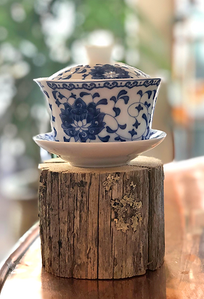 blue and white porcelain gaiwan