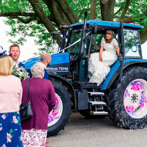 Overton's Wedding of the Year! - Tracy and Peter's Relaxed Rural Wedding