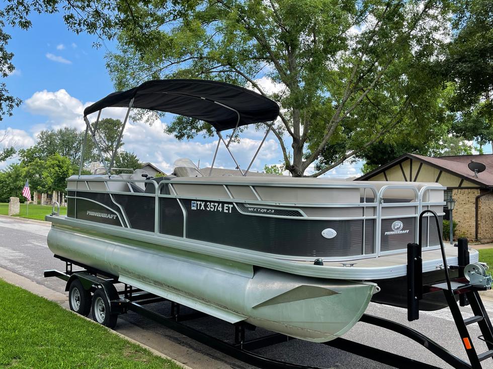 2018 Princecraft Vectra 23 Pontoon Boat