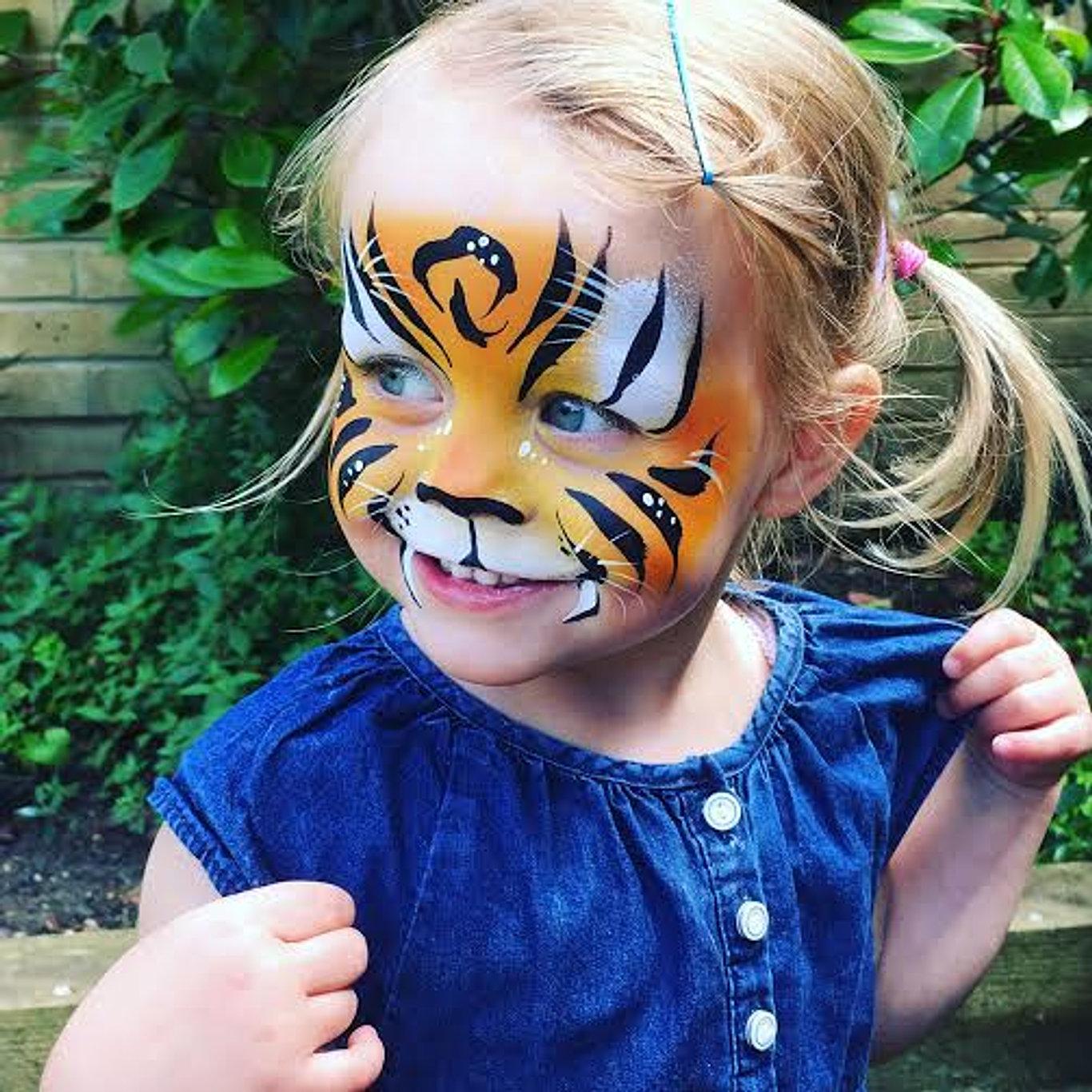 Face painting emilys entertainment smiley tiger face paint sciox Images