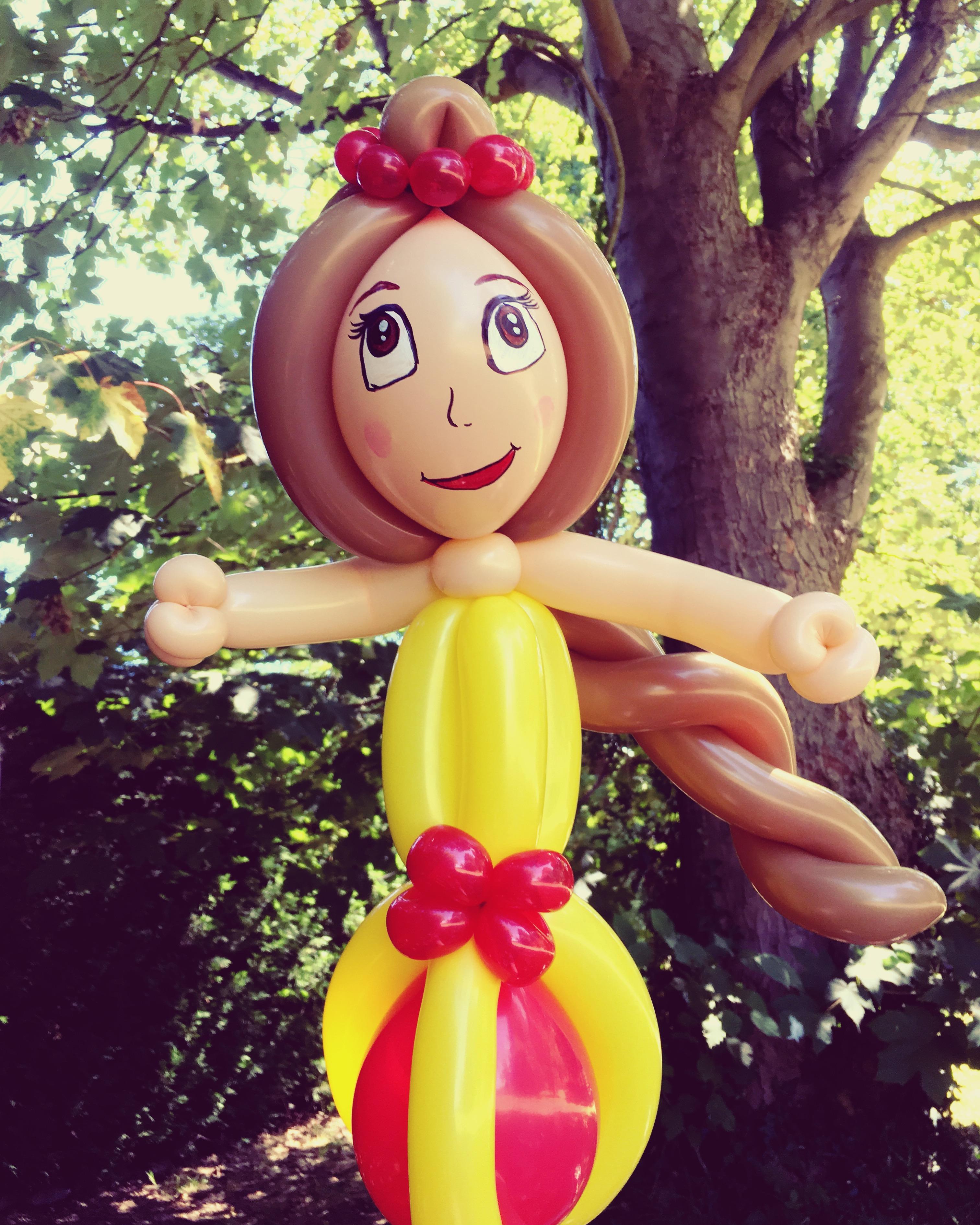 Princess Belle balloon model