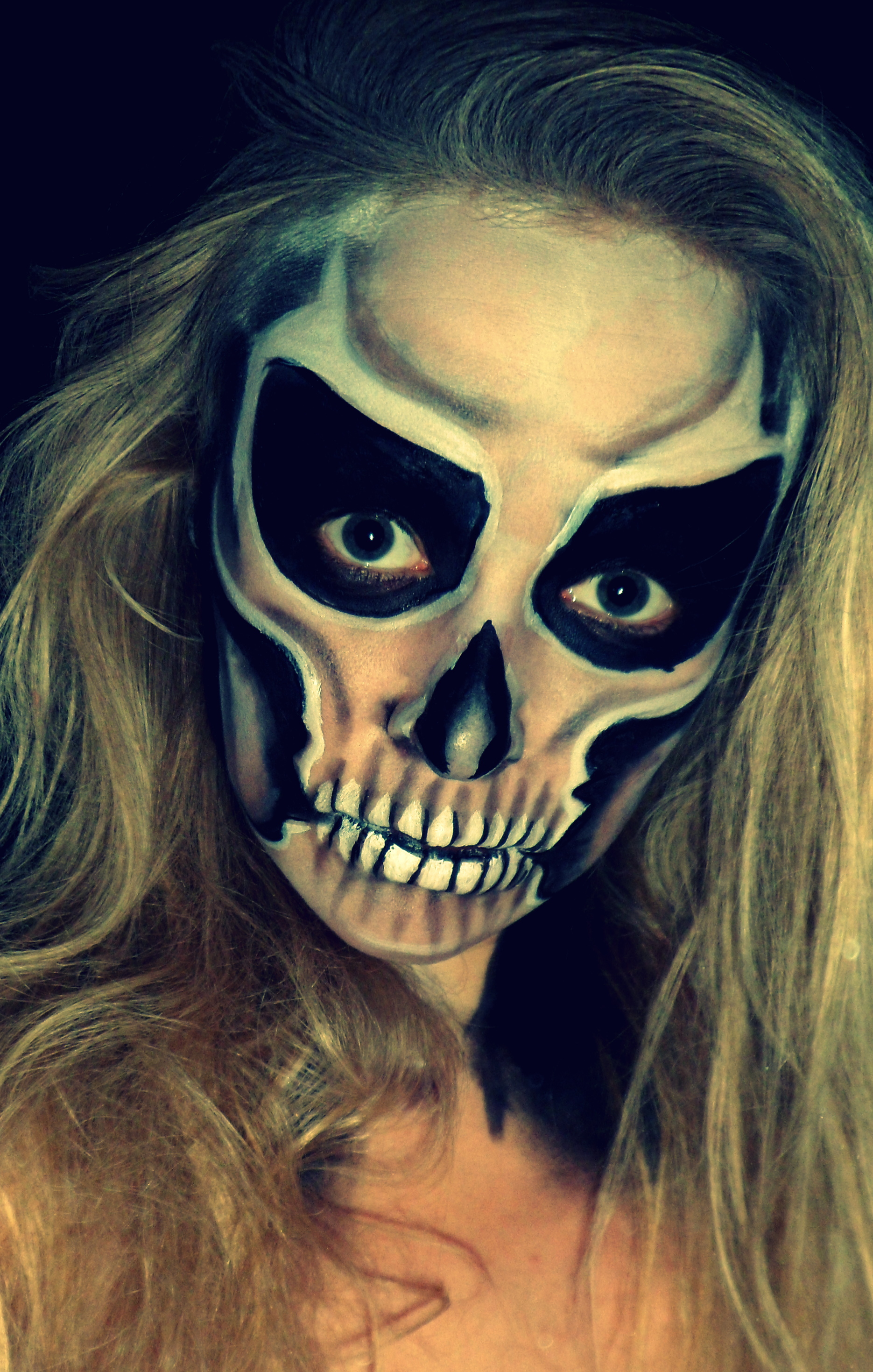 Spooky skull face paint