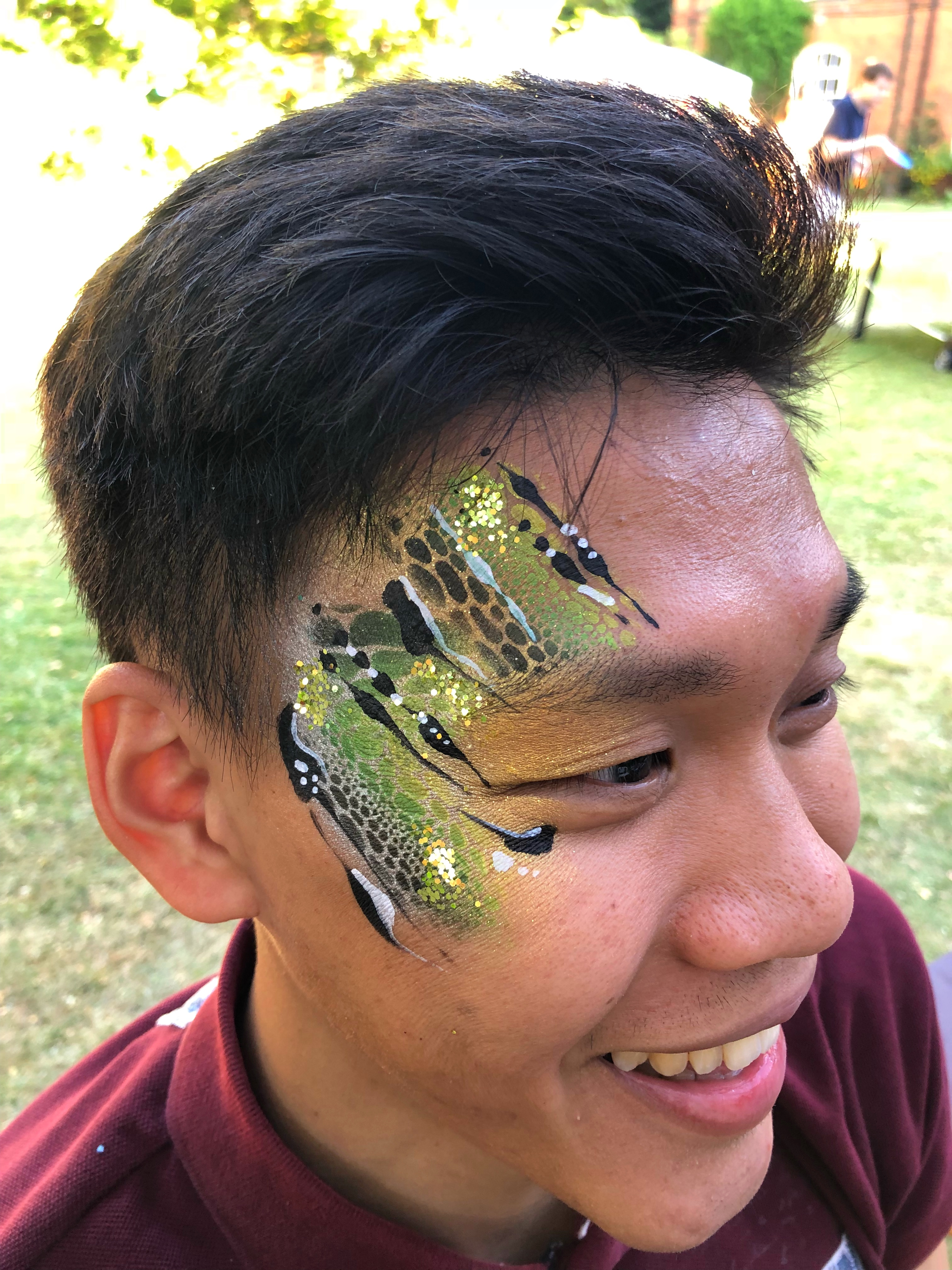 Snake eye face paint
