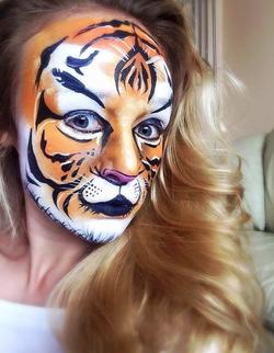 Adult tiger face paint