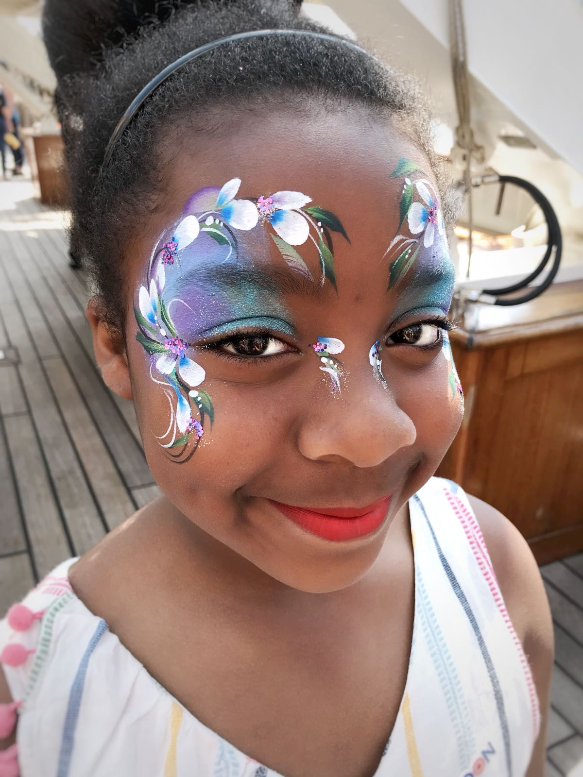 Children's beautiful face paint