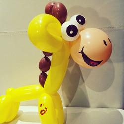 Happy giraffe balloon animal