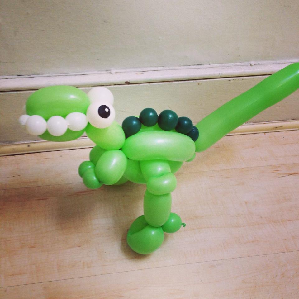 T rex dinosaur balloon model