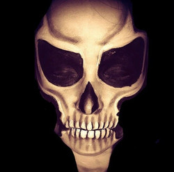 Creepy skull face paint