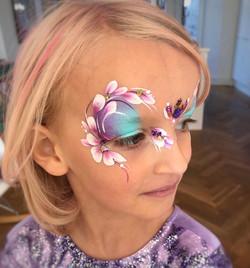 Pretty flower face paint