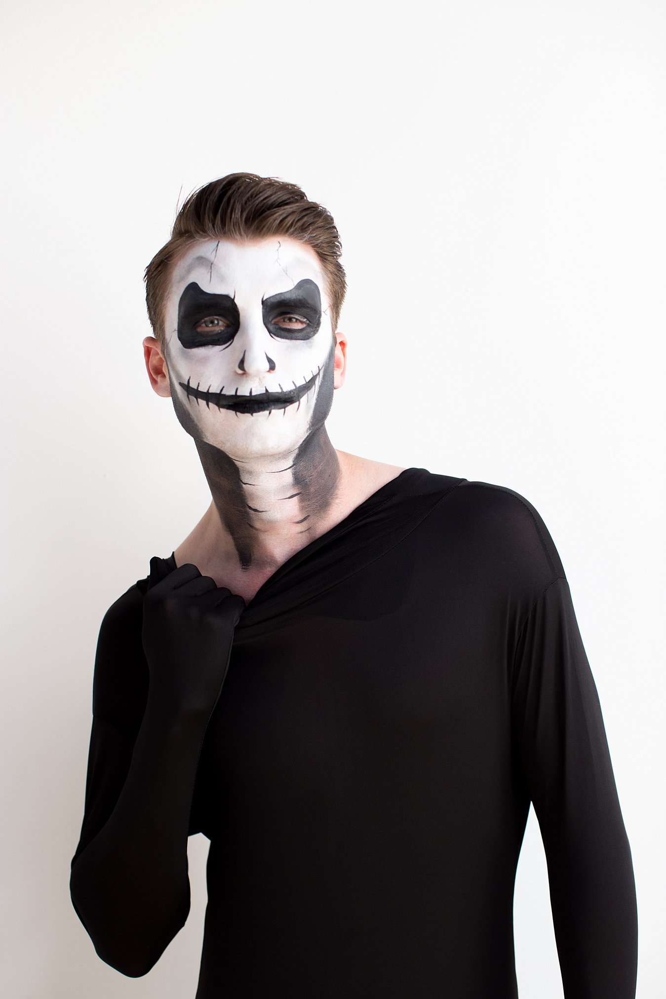 Uncategorized How To Skeleton Face Paint face painting emilys entertainment comic con skeleton paint