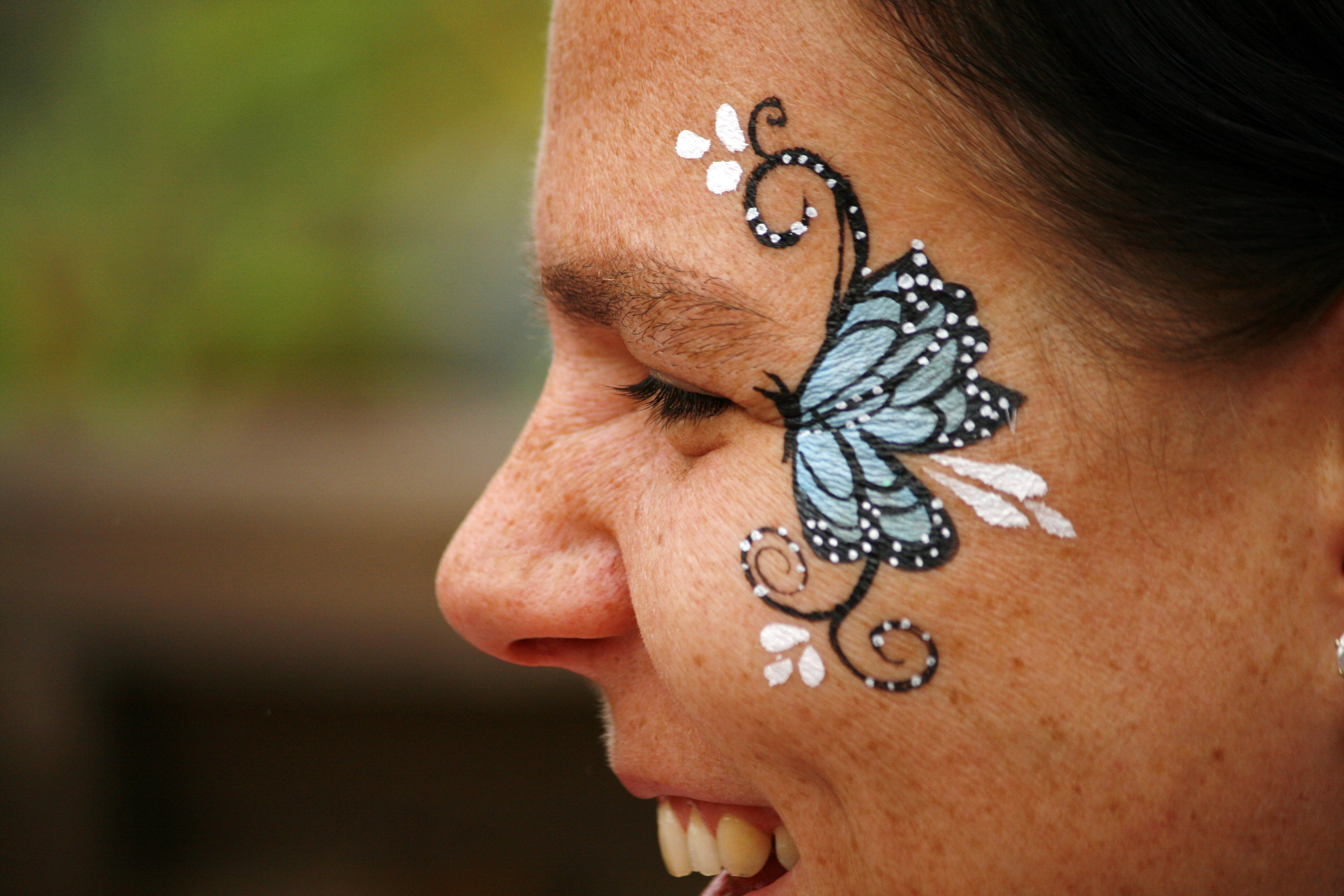 Mini butterfly face paint