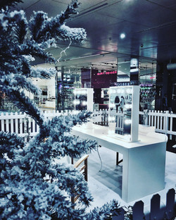 Christmas beauty station
