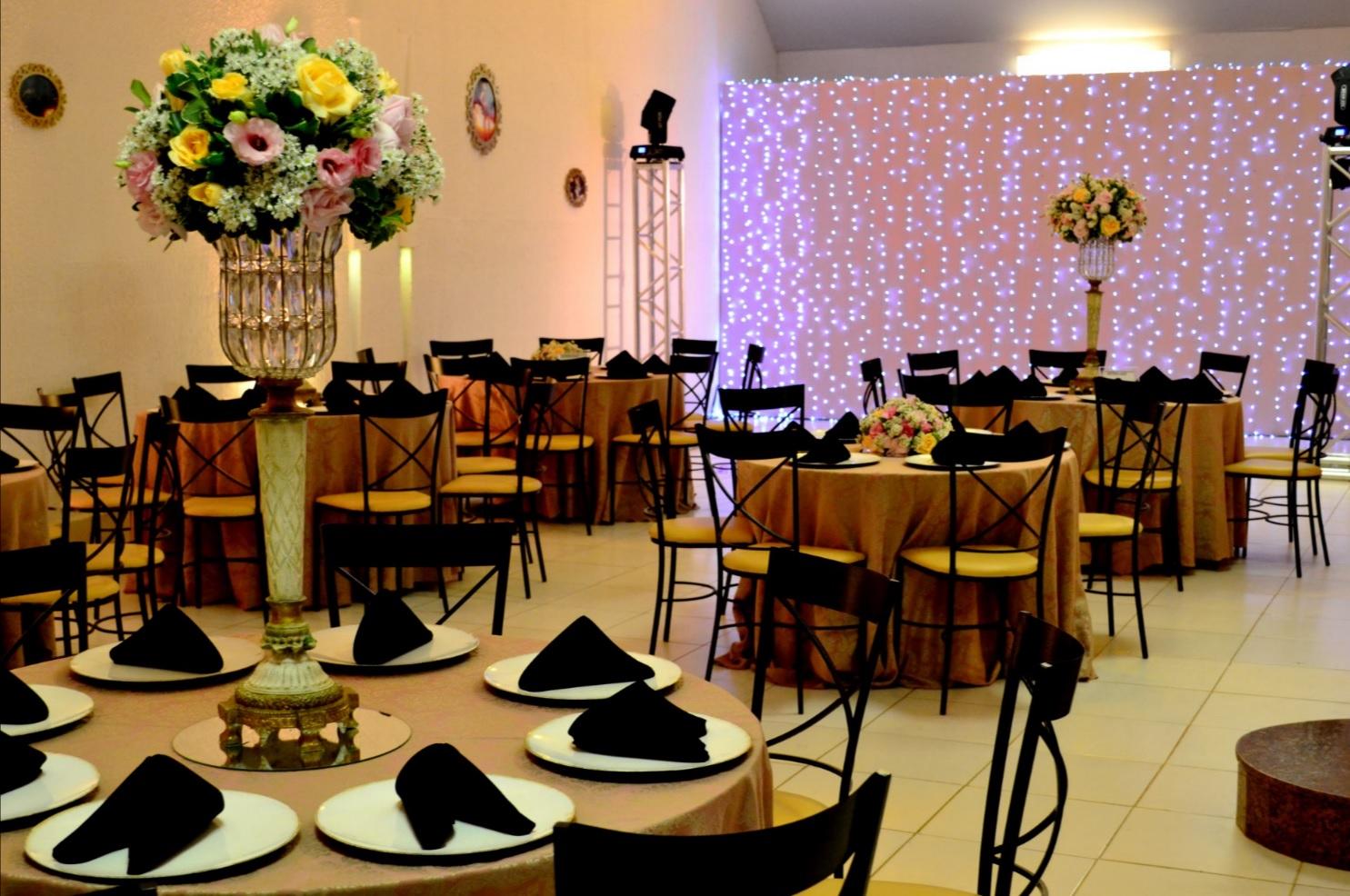 decoração 15 anos amarelo e rosa