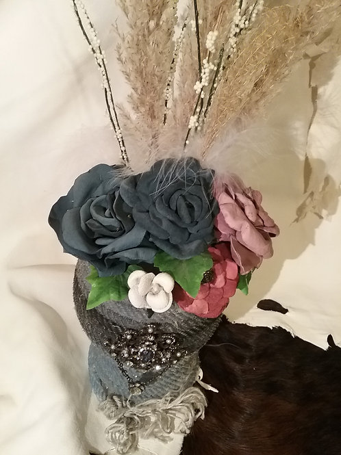 Rope vase with blue-mauve-white roses  #10