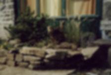 natursteinmauer-fenster.jpg