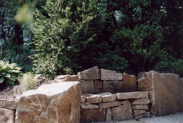 natursteinmauer-große-felsen.jpg