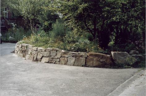 natursteinmauer.jpg