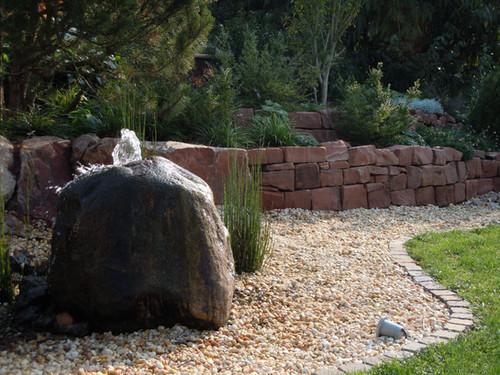 naturstein-felsenquelle.jpg