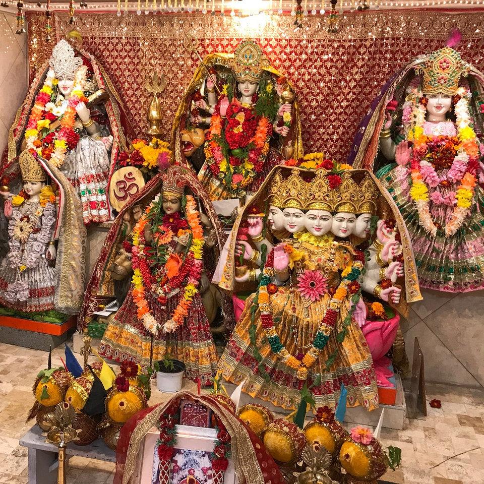 the main sanctum to Harsiddhi Devi