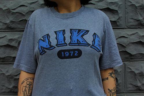 '90S Nike t-shirt