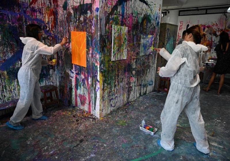 20190807_splat-paint-house_AFP.jpg