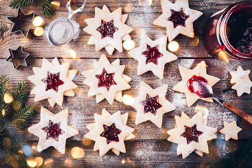 Traditional Linzer Christmas cookies fil