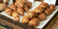 Plain%20croissant%20and%20chocolate%20pu