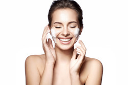 SPICK AND SPAN CLEASING FACIAL