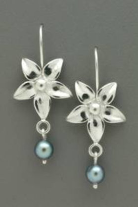 Earring - SS Flower w Grey Pearl Drop, Ear Wire       JI151