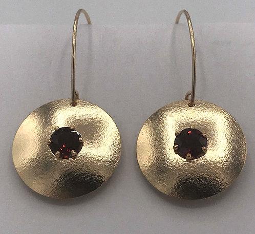 Earring: Gold Filled Matte w Garnet 2JA54