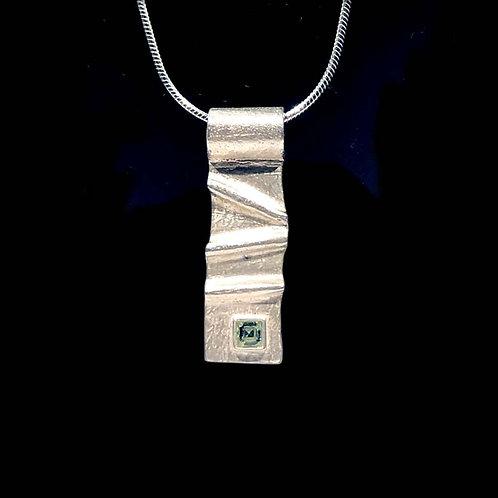 Necklace: Sterling silver, ridge w Peridot, snake chain  JF375