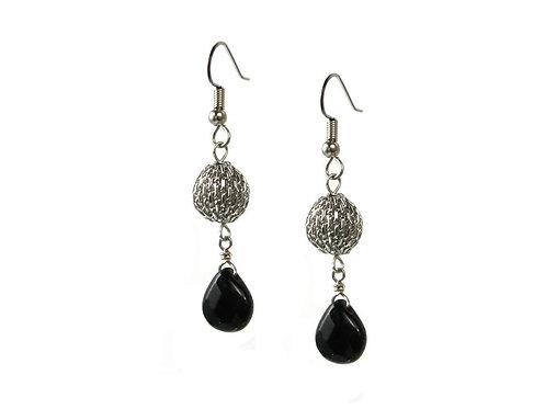 Earrings: Rhodium w Onyx JZ553