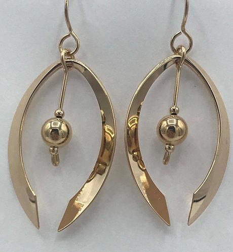 Earring: Gold Filled w Gold Bead 2JA47