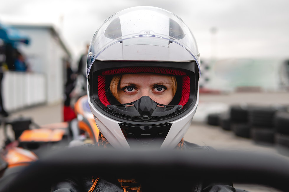 helmet_girl