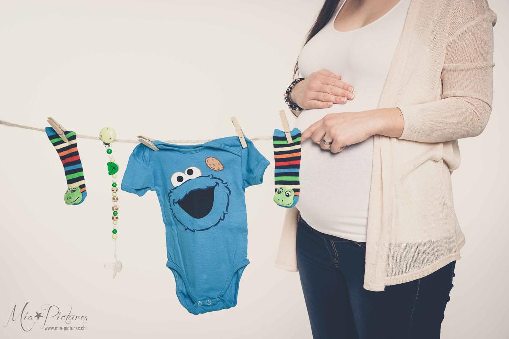 Schwangerschaftsfotos Babybauch rjpg