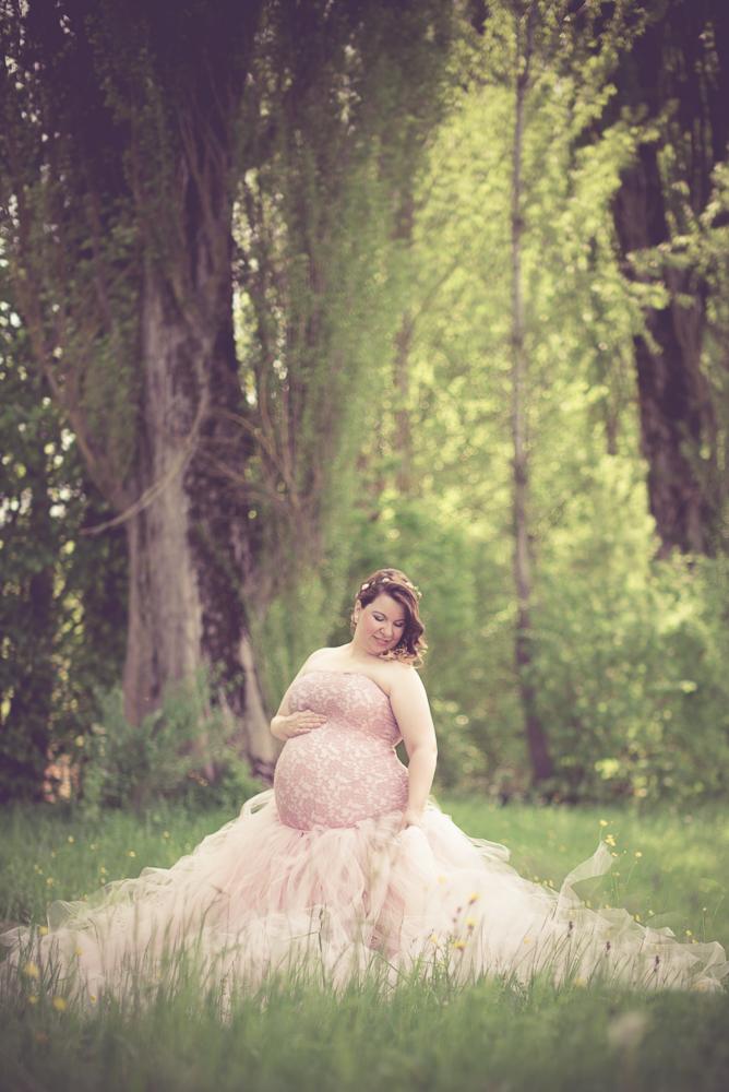 Schwangerschaftsshooting ausserhalb