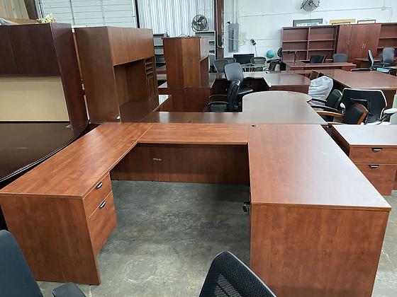 Laminate U shaped desk