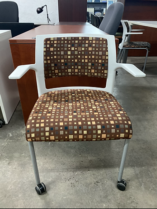 Steelcase move guest chairs