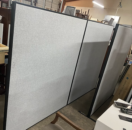 Freestanding double panel wall divider