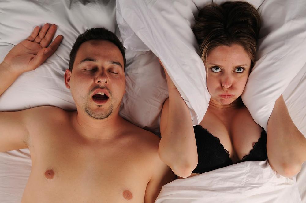 Russare può nascondere una sindrome da non sottovalutare: la sindrome delle apnee ostruttive del sonno (OSAS)