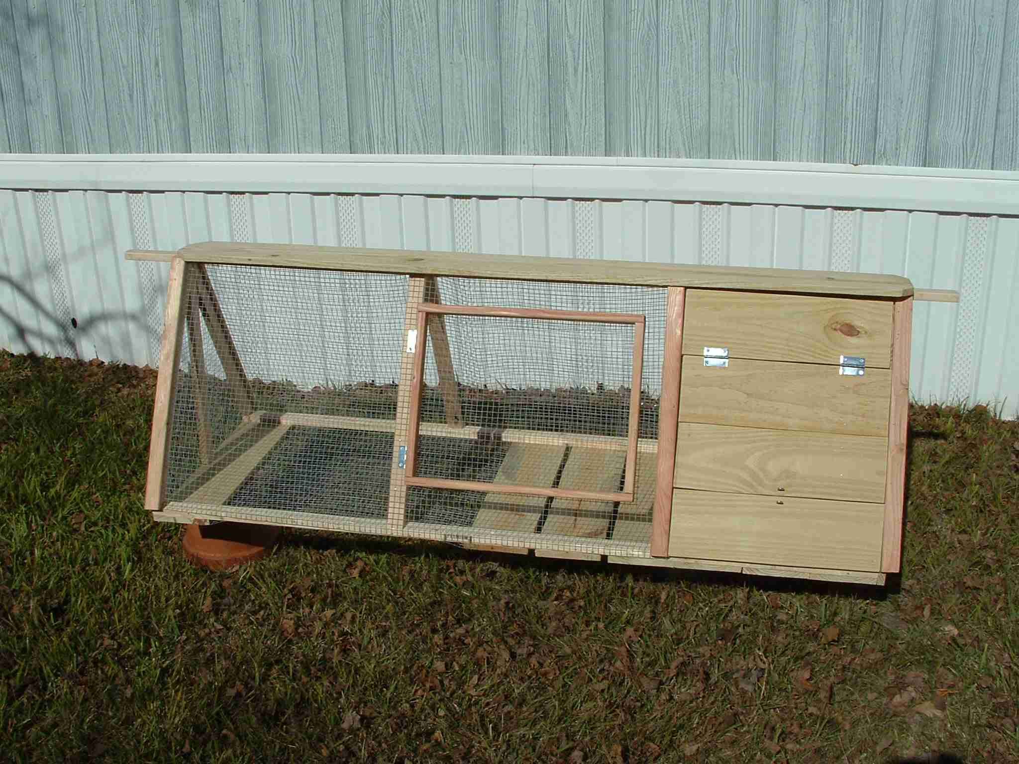 German Styler Rabbit Hutch (9)