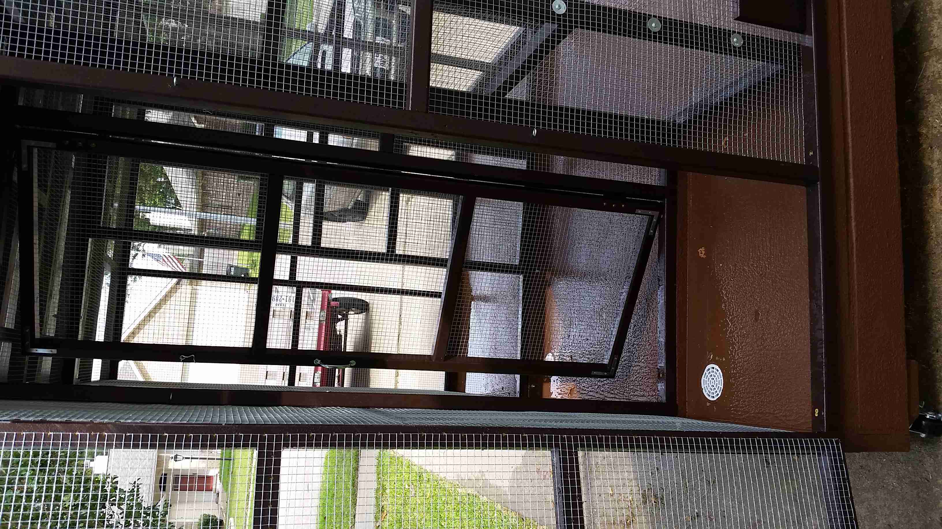 Parrot Aviary - Dual Cage (18)
