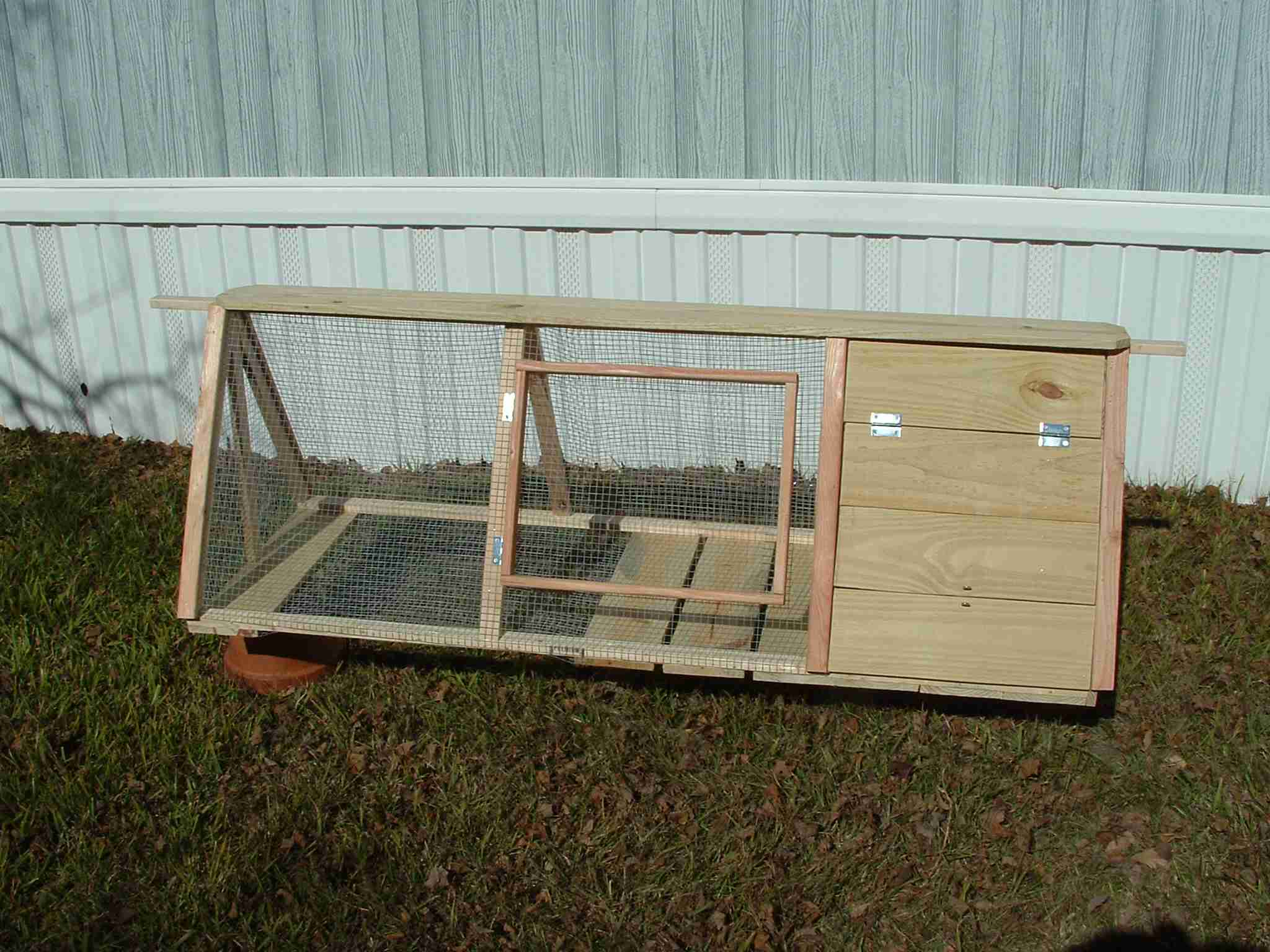 German Styler Rabbit Hutch (10)