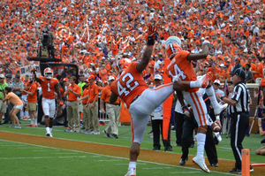 Christian Wilkins shows off his athleticism